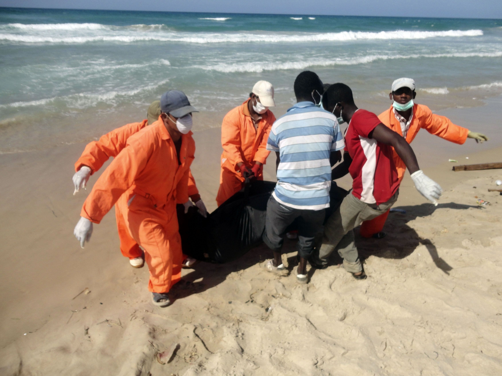 Dozens of Migrants Die in Libyan Shipwreck