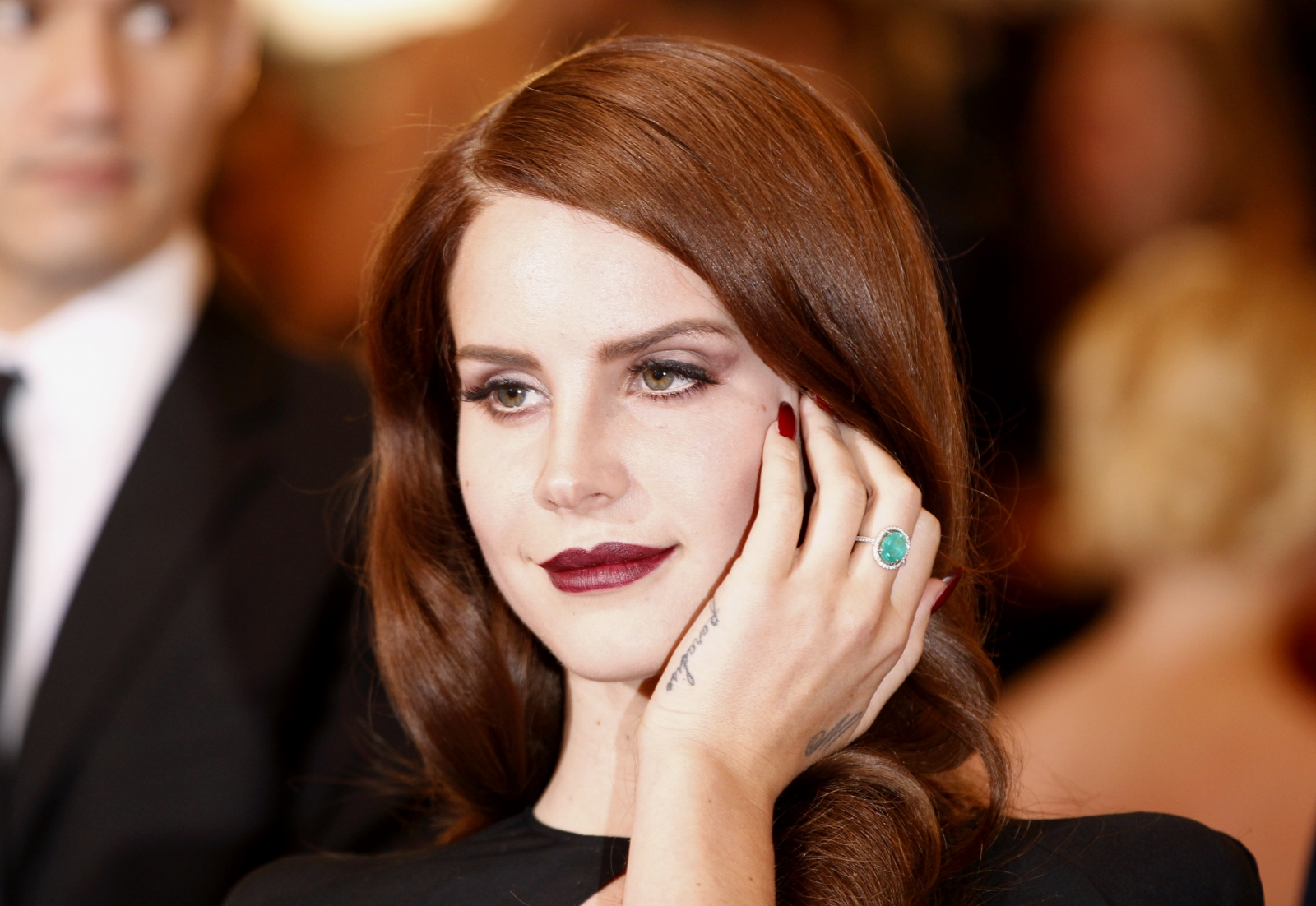 Lana Del Rey To Sing Bond Theme