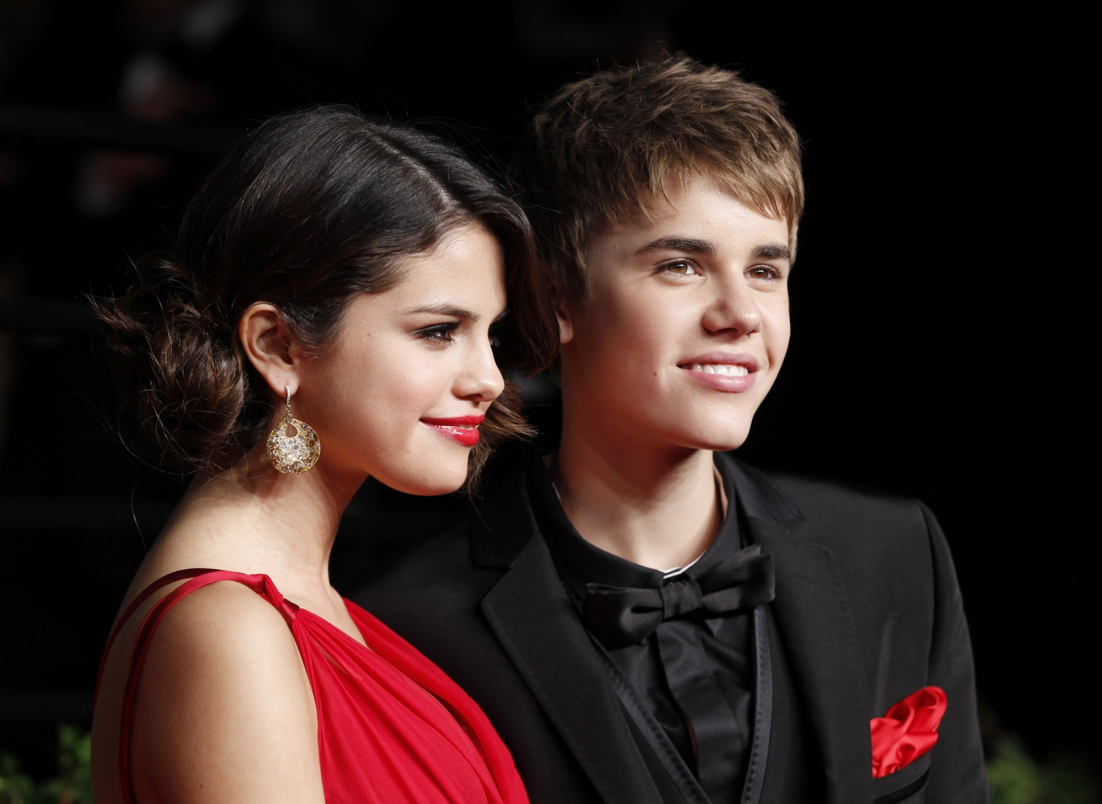 Justin Bieber and Selena Gomez holidaying in Canada