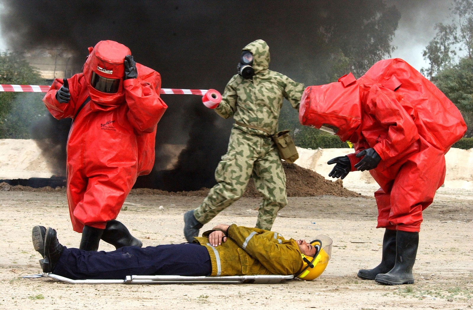 Kuwaiti civil defense forces rehearse contingency plans for a biological weapons attack. (Getty)