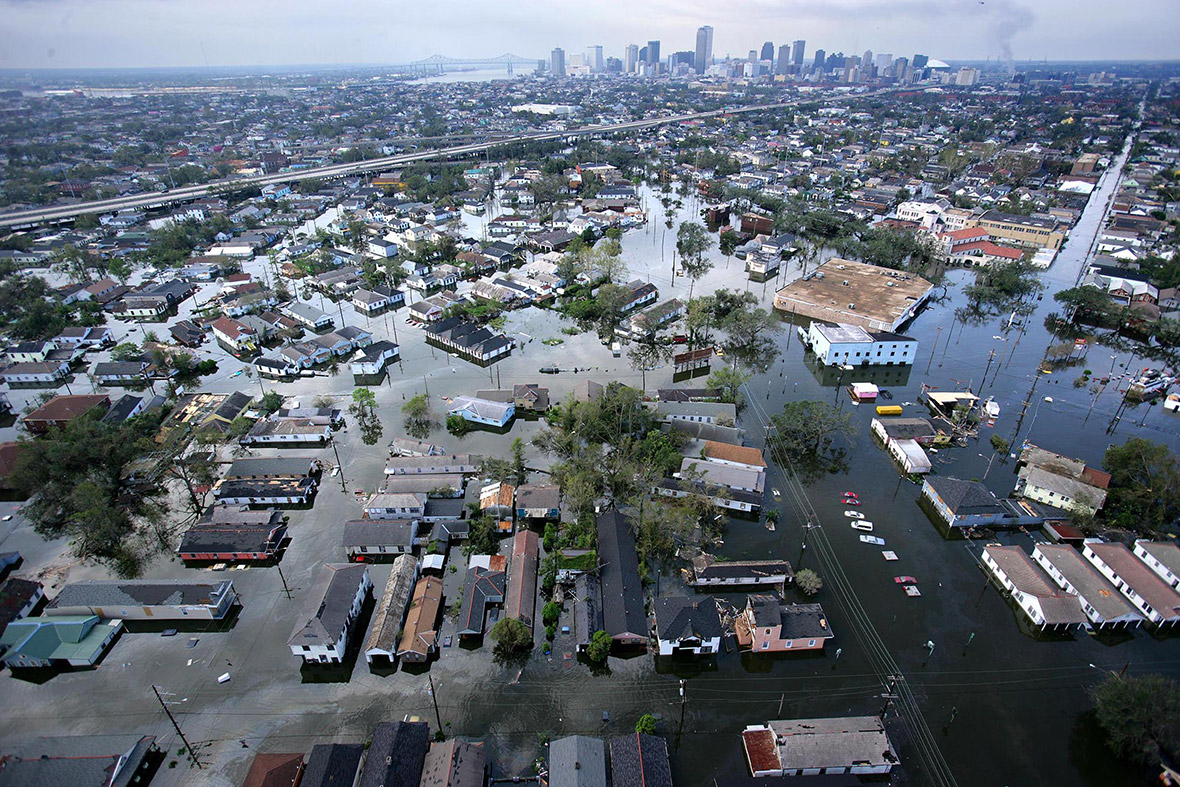 Hurricane Katrina Powerful Photos Of The Storm That