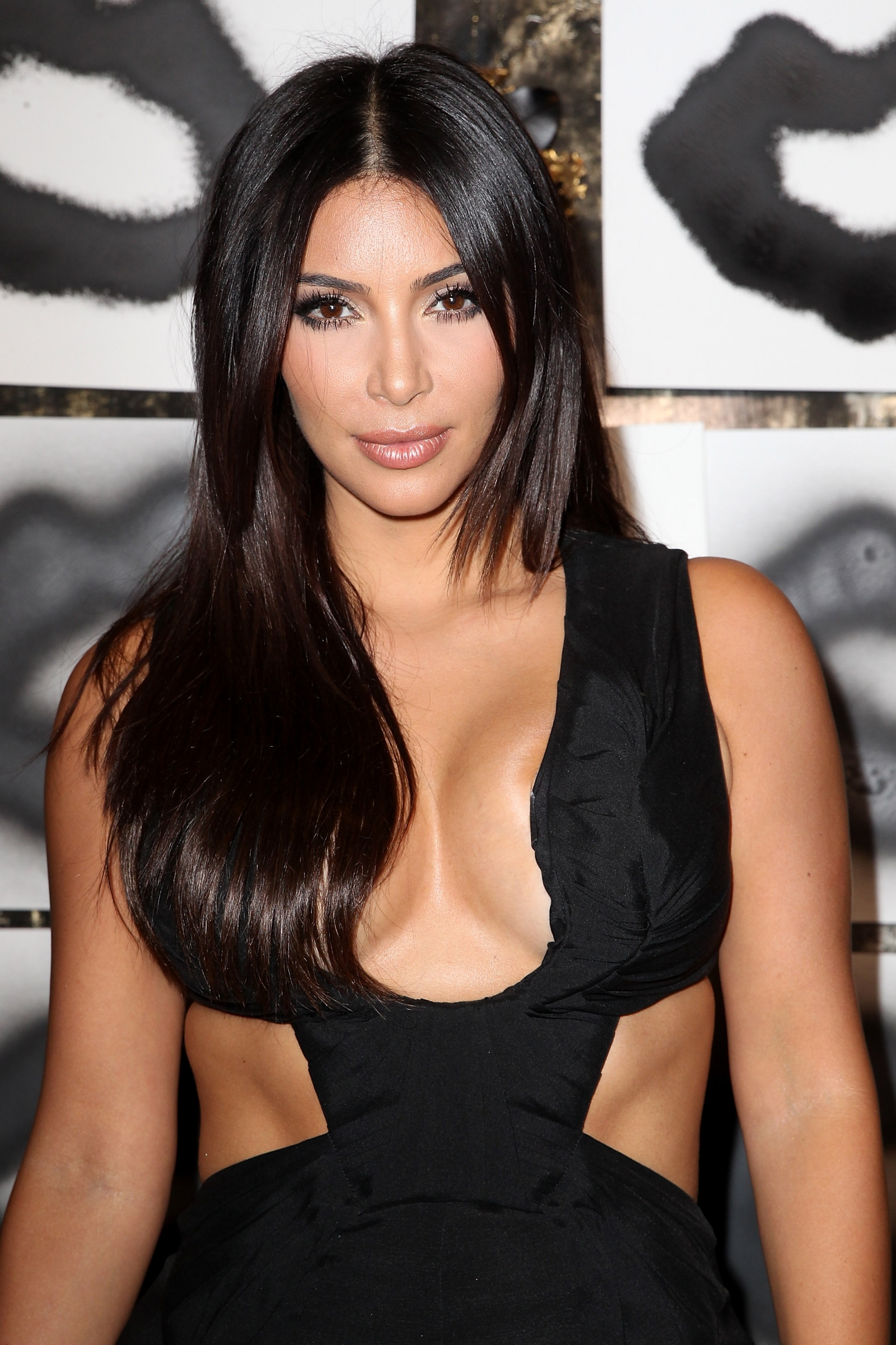 kim kardashian offered 1 million for one evening as a