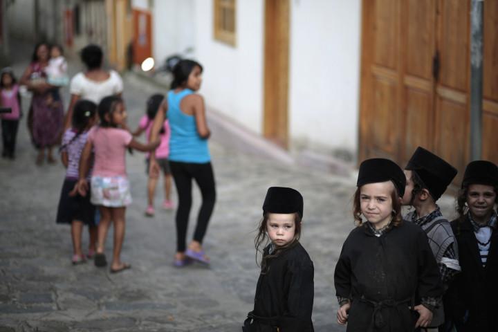 Children of the Lev Tahor in San Juan la Laguna. (Reuters)