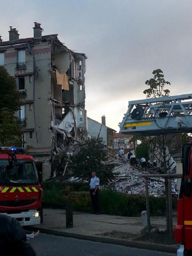 Building explosion in Paris