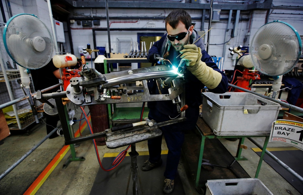 UK Recovery Could Lose Pace as Manufacturing Growth Cools