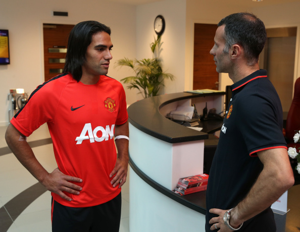 Radamel Falcao-Ryan Giggs