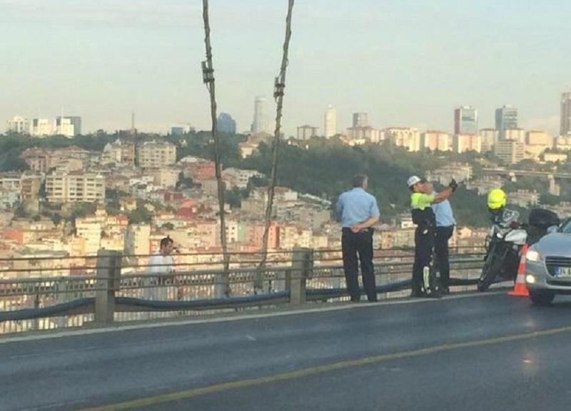 Istanbul Suicide Bosphorus Bridge Sadrettin Şaşkın Police selfie Trukey