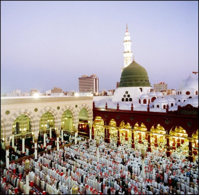 Saudi Arabia: Rumours on Plan to Remove Prophet Muhammad\'s Tomb