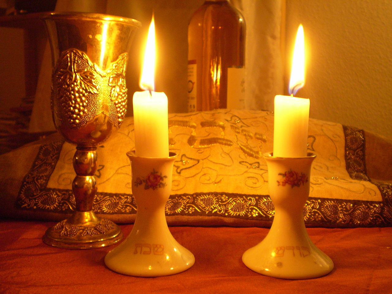 Shabbat dinner candles