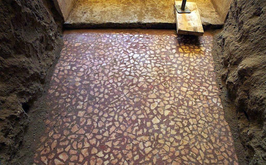 Mosaic floor discovered in Amphipolis Greek tomb