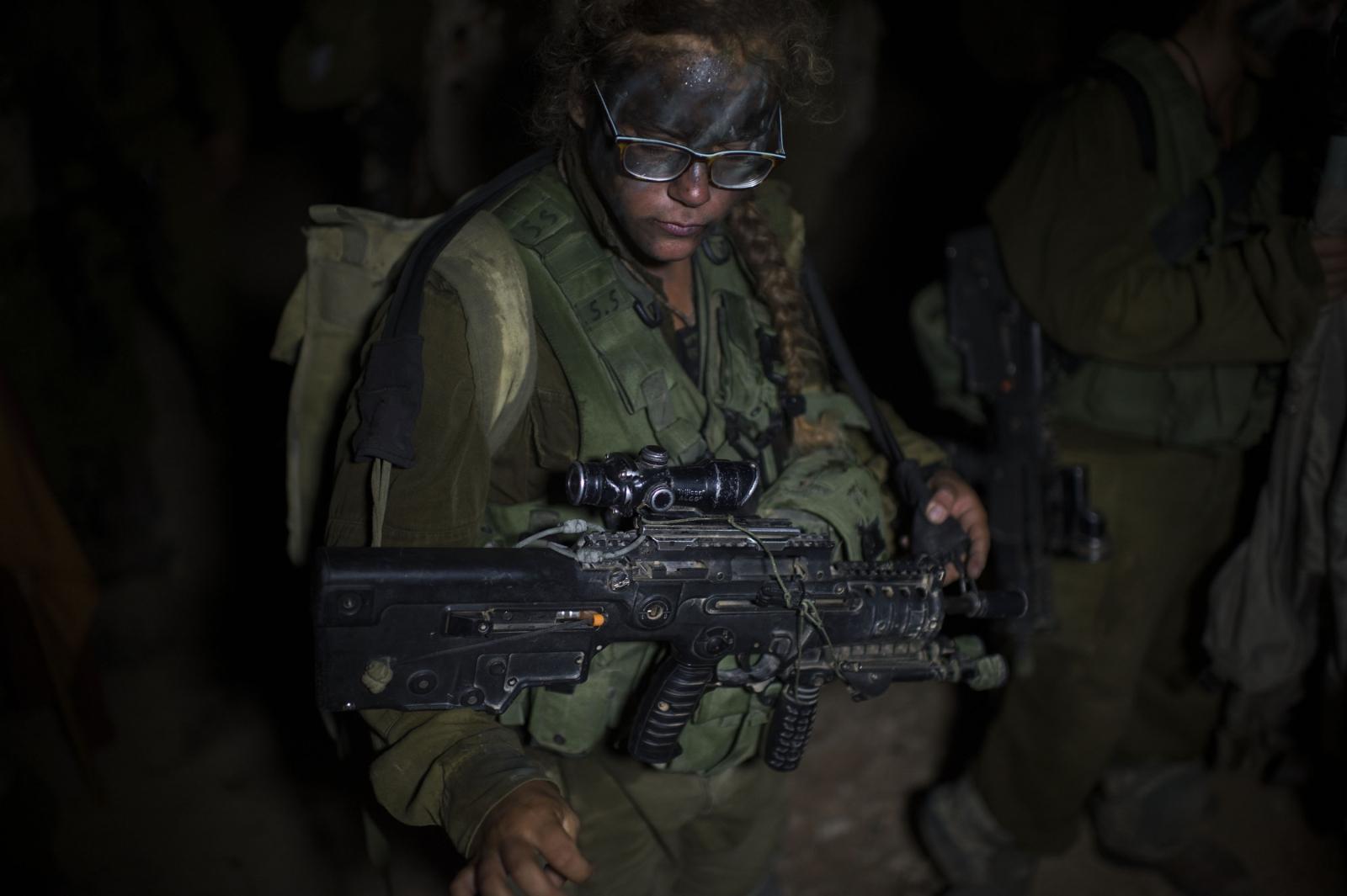 Israeli Female Soldiers 6