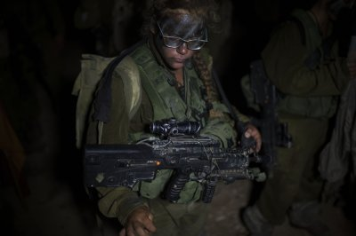 Israeli Female Soldiers 6