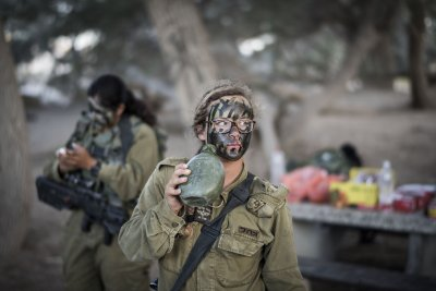 Israeli Female Soldiers 8
