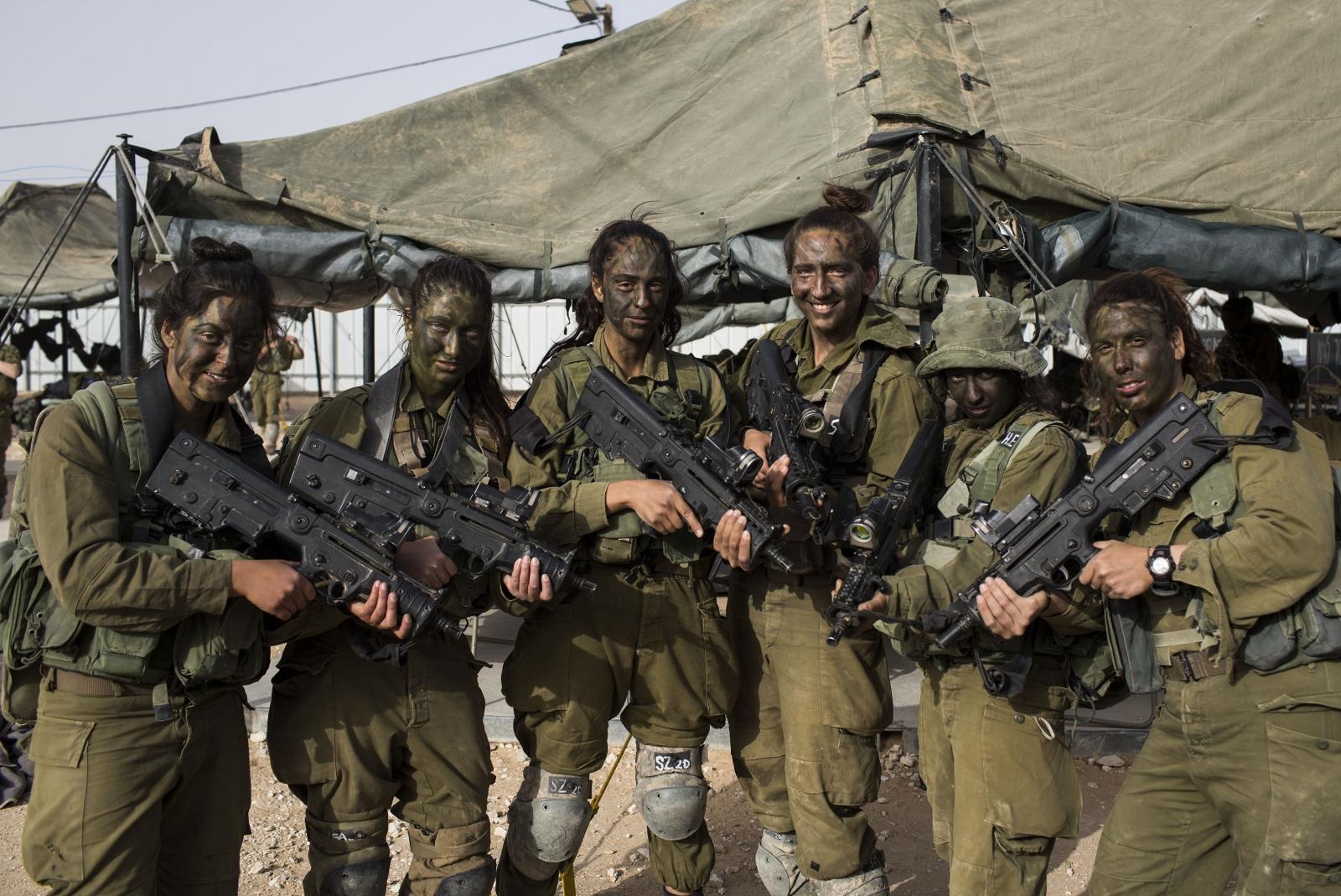 Israeli Female Soldiers 10