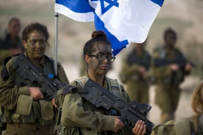 Israeli Female Soldiers 14