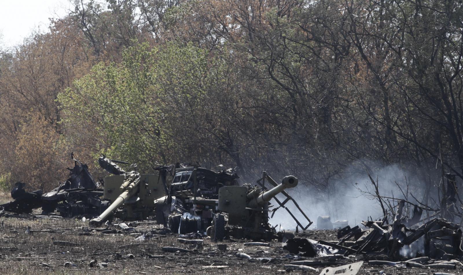 Artillery shelling in eastern Ukraine