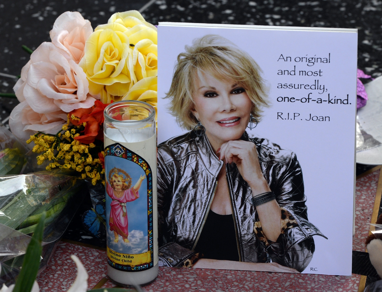 The funeral of comedian Joan Rivers took place in New York on Sunday 7 September 2014