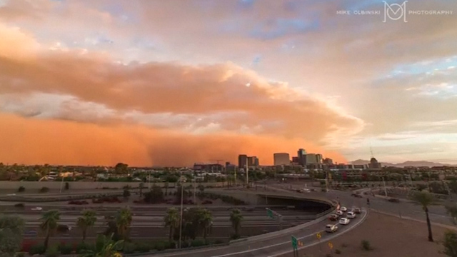 Time-lapse Video Shows Dust Storm Sweep Across Arizona
