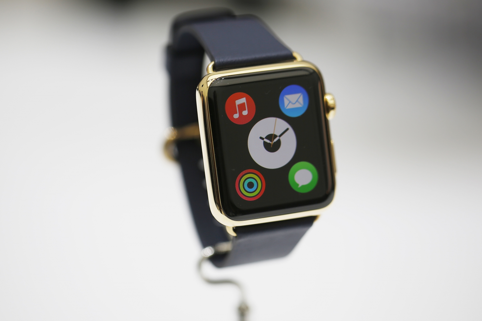 Tech Talk: Apple Watch Highlights Switch from Trend Setter to Market Follower
