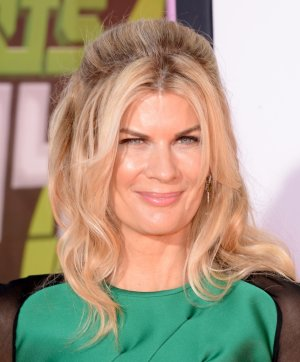 Actress Kristen Johnston in Modern family