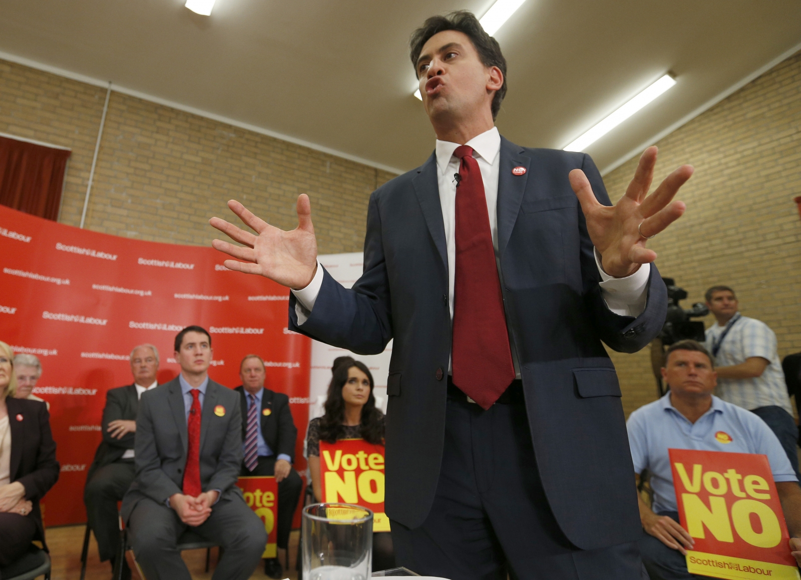 Britain's opposition Labour Party leader Ed Milliband speaks during a campaign meeting in Cumbernauld in Glasgow, Scotland September 10, 2014