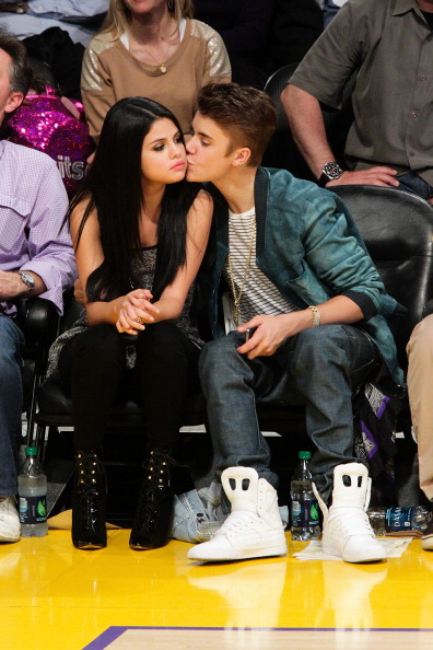 Justin Bieber Selena Gomez Split Did Baby Singers Mother Diss Kendall Jenner Call Her 1468713 on Did Zac Efron Get Married