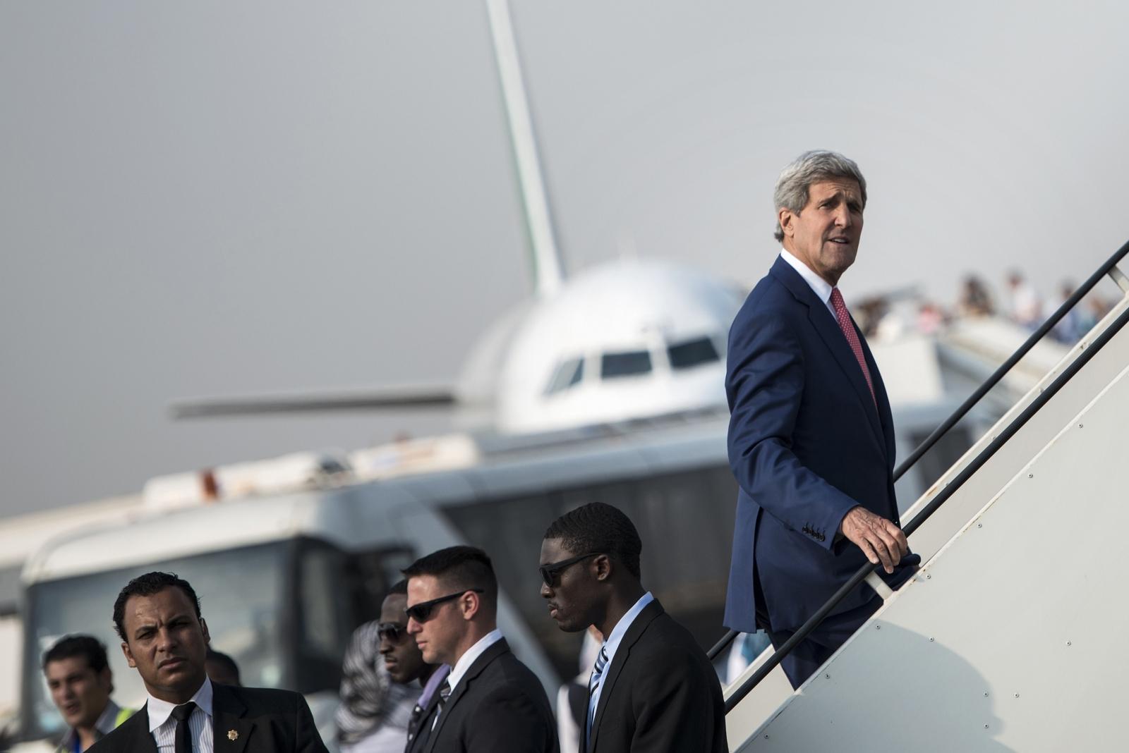 Iraq crisis and anti-Isis coalition talks in Paris