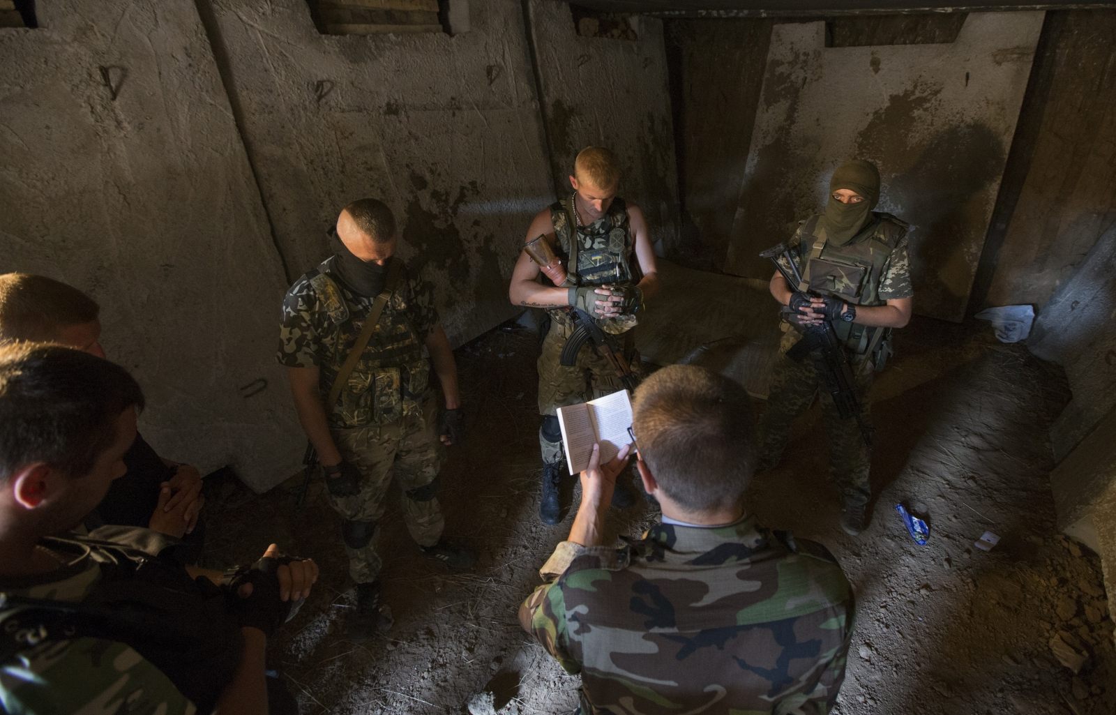 Ukraine Soldiers Prayer Religion Service