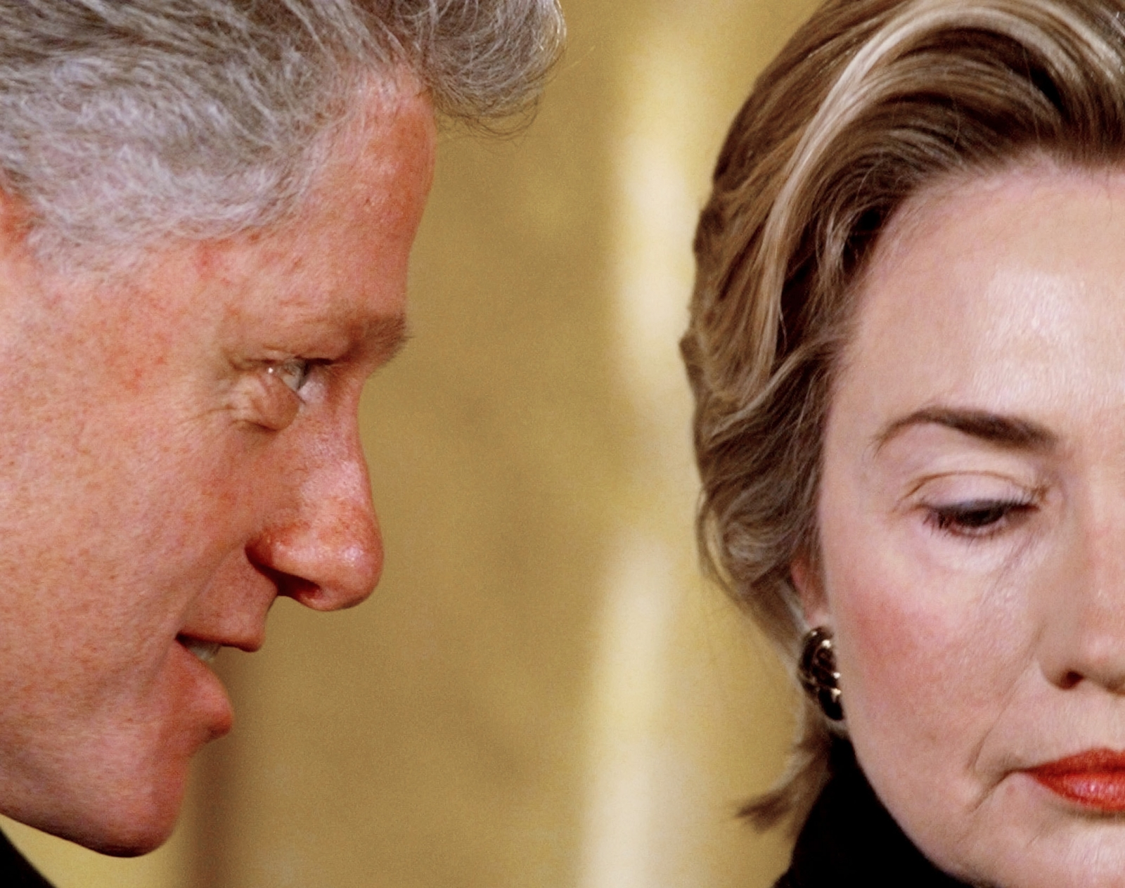 Clinton Whispers to Hillary