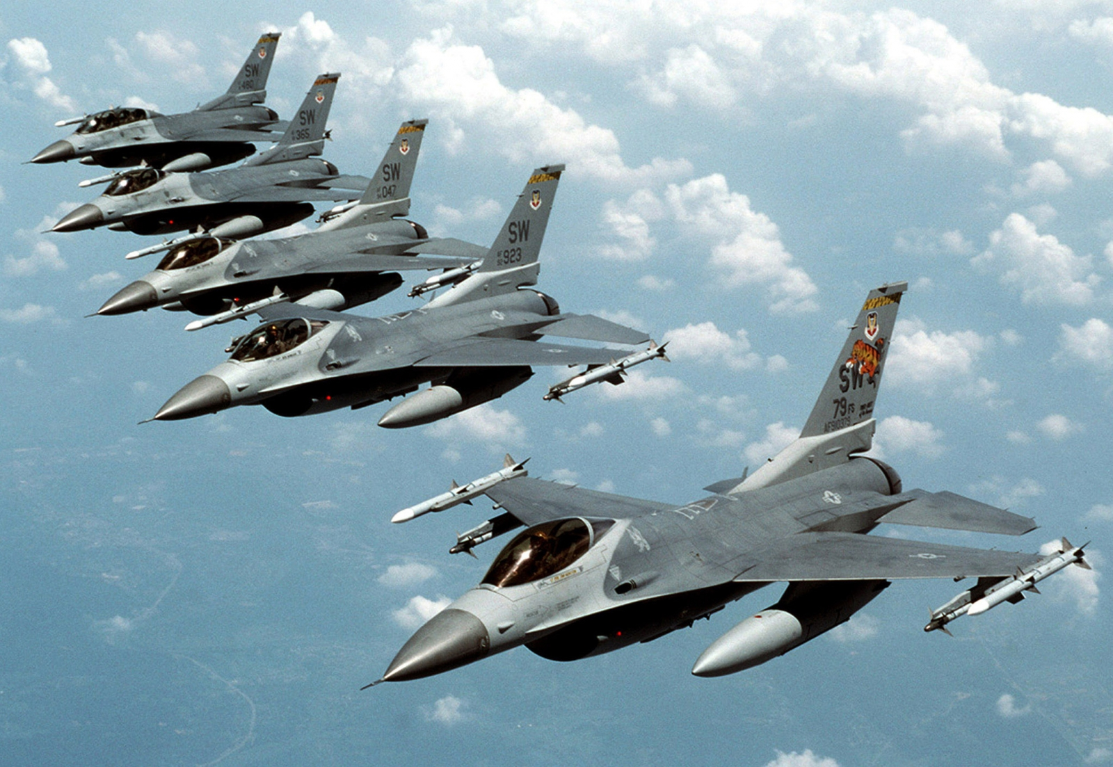 US airstrikes against Isis and Iraq crisis