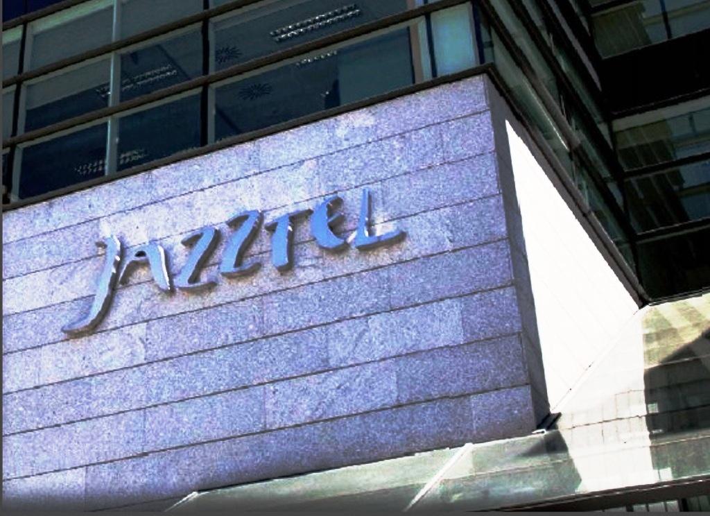 Jazztel Shares Extend Gains on Orange's $4.4bn Offer
