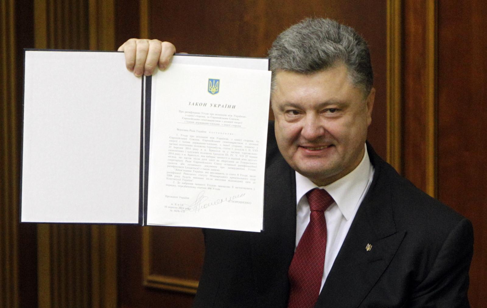 Petro Poroshenko EU treaty Ukraine
