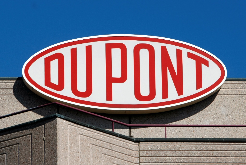 DuPont Shares Rise as Firm Responds to Activist Investor Seeking Its Breakup