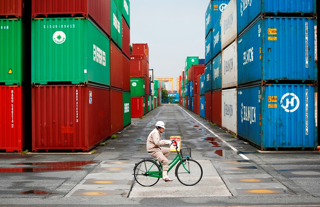 Japan: August Exports Hit By Weak US Shipments but Beat Expecations