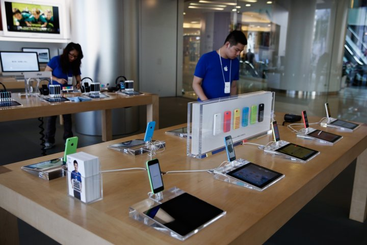 Apple Macbooks could be affected by undetectable 'Thunderstrike' threat, states researcher