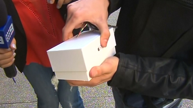 First Person to Buy iPhone 6 in Perth, Australia Drops It on Live TV