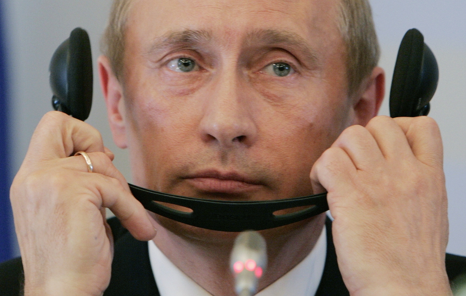 Putin Could Pull Plug on Russia's Internet During War or Protests
