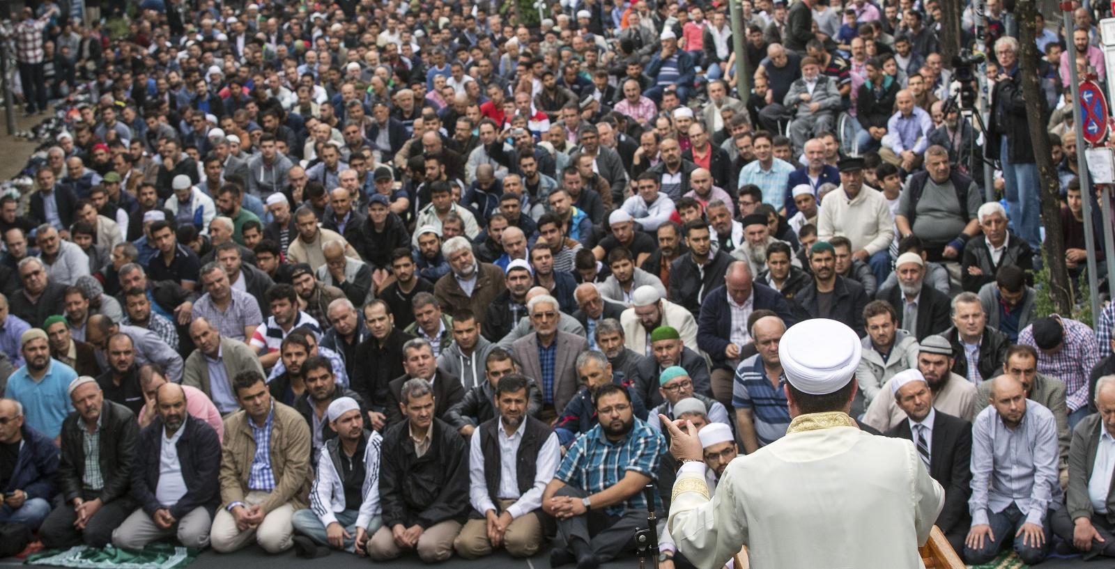 ISIS: German Muslims Demonstrate Against Islamic State 'Murderers'