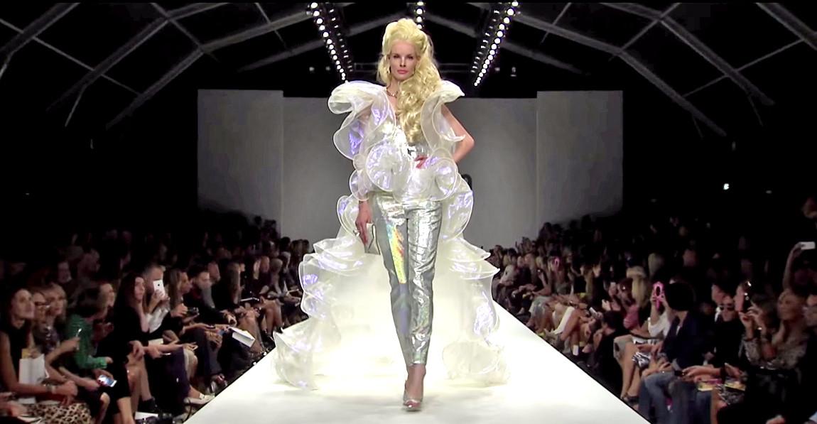 Moschino Barbie Fashion Show 21