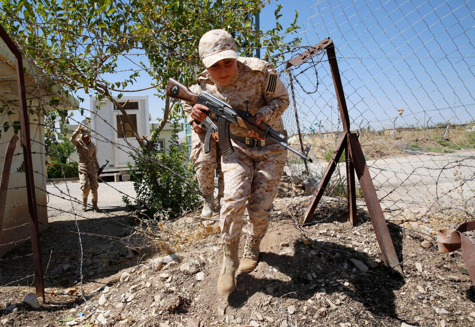 Kurdish Peshmerga female fighters 03