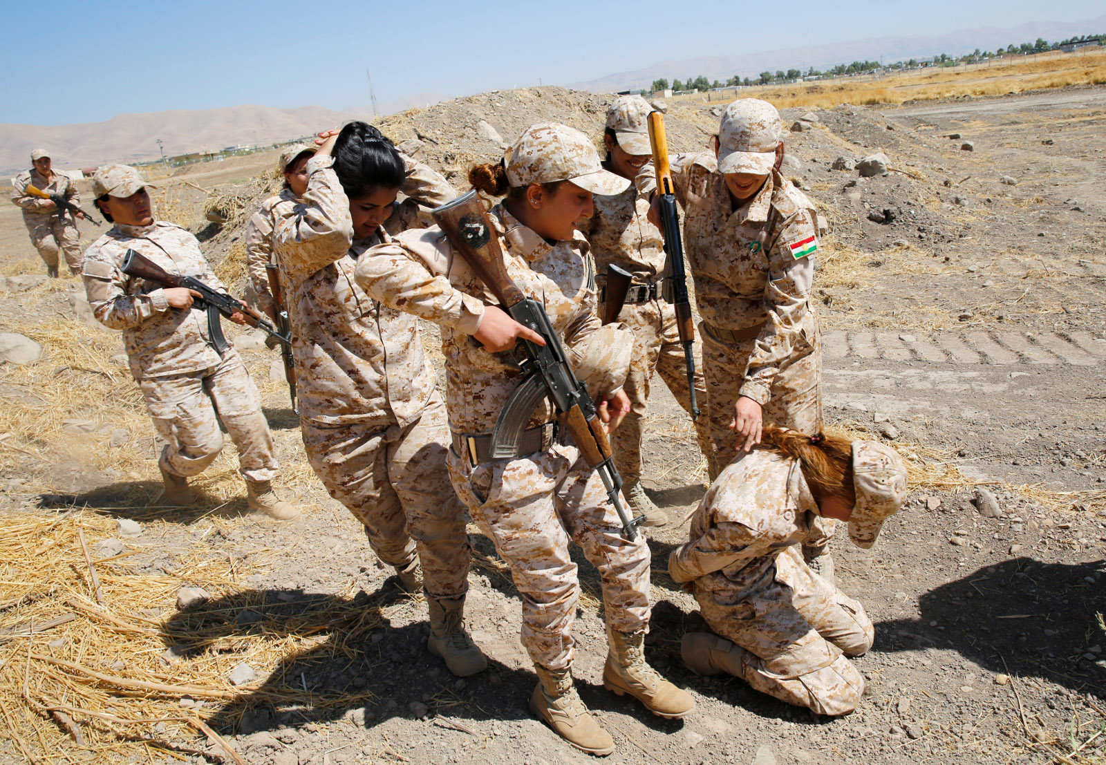 Kurdish Peshmerga female fighters 04