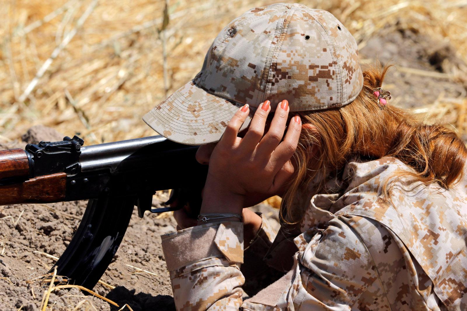 Kurdish Peshmerga female fighters 08