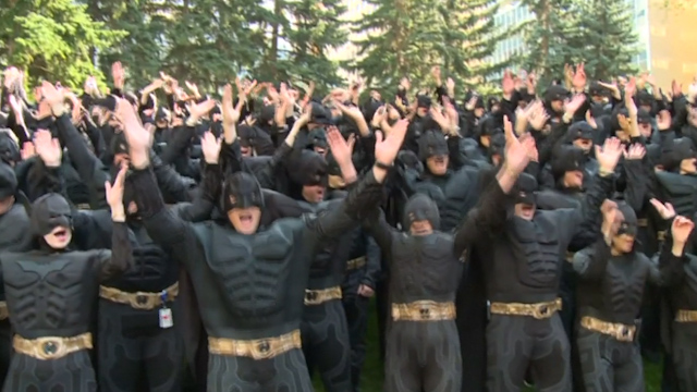 Canadians Break World Record for Most People Dressed as Batman