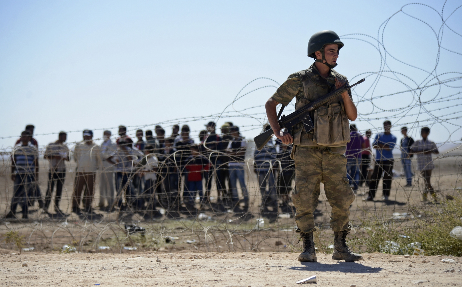 Isis Border Battle With Syrian Kurds Sends Tens Of