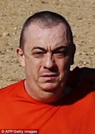 Alan Henning knells in Isis video threatening his death at hands of muslim fanatics