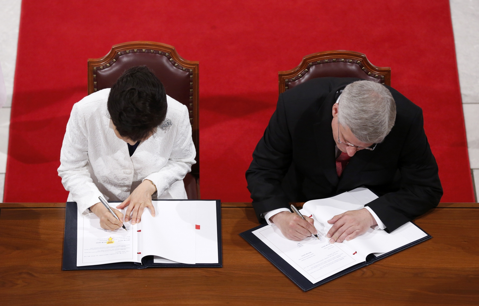 Canada And South Korea Sign Free Trade Agreement