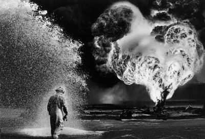 Sebastiao Salgado, Oil Wells Firefighter, Greater Burhan, Kuwait, 1991