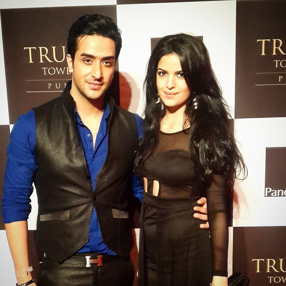 Natasa Stankovic is dating Indian actor Aly Goni.