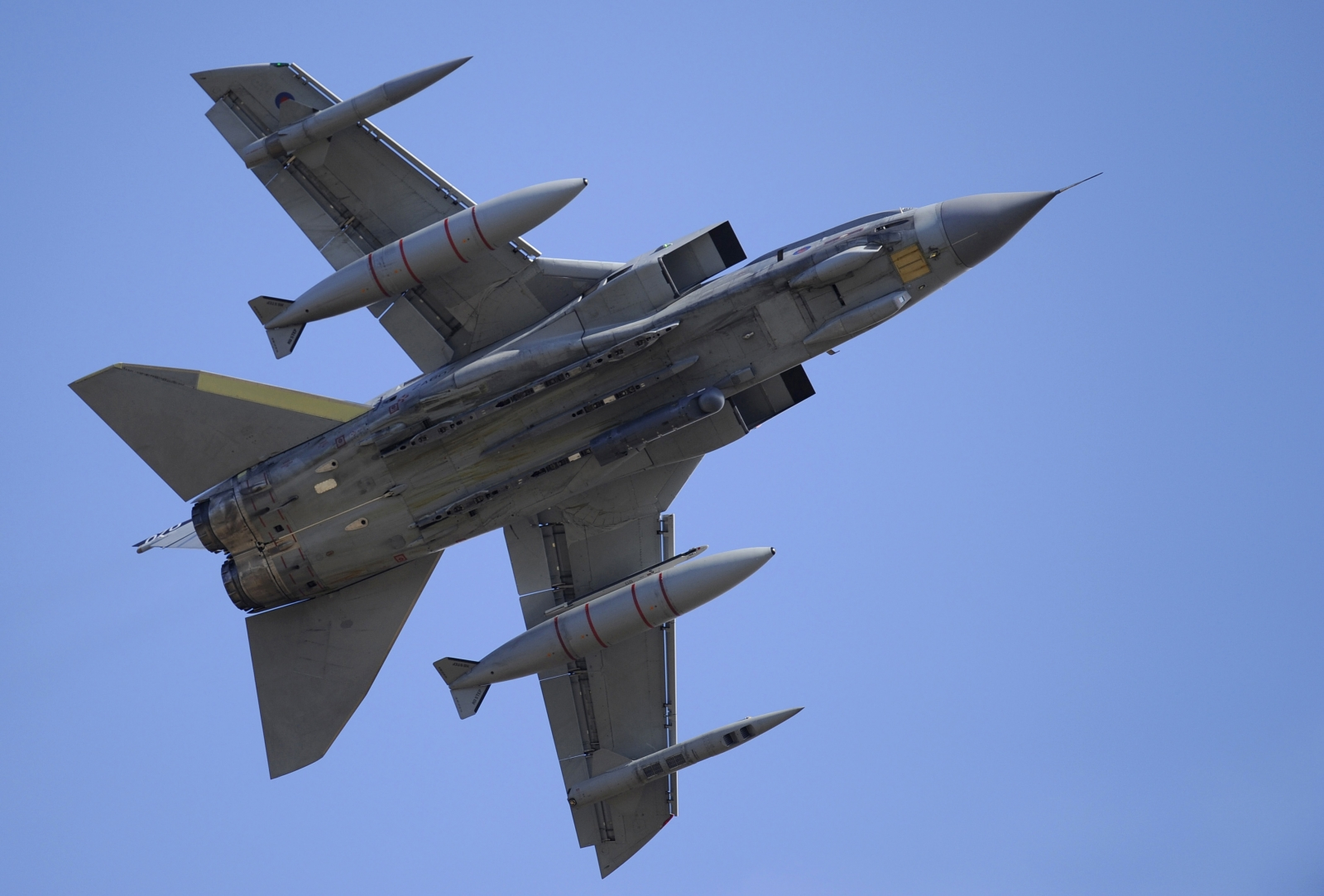 MPs parliament approval for Isis airstrikes,
