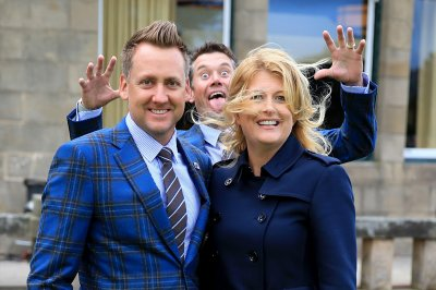 lee westwood photobombs poulter